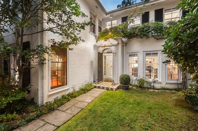 Residence 2/4 St Georges Court, Toorak VIC 3142