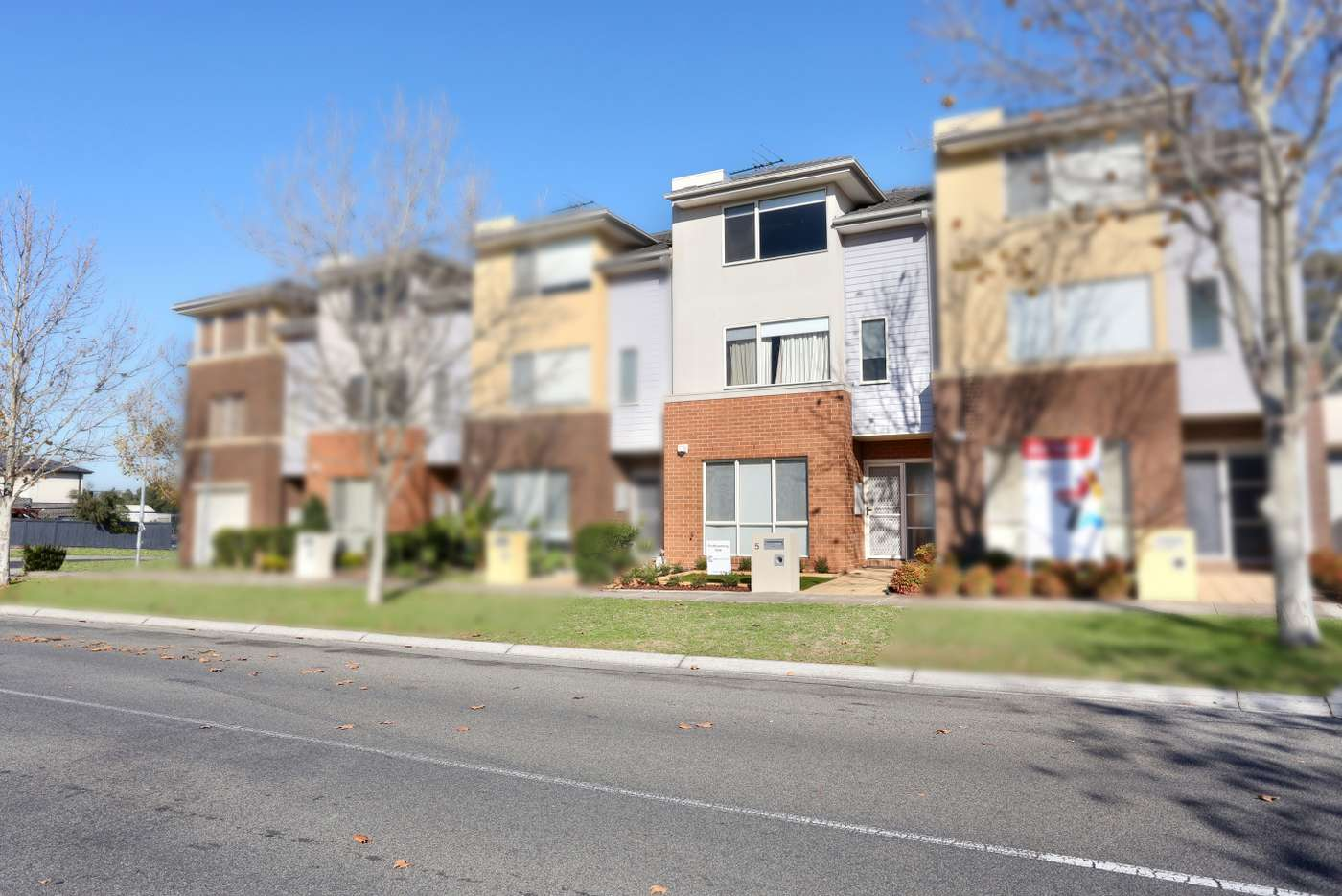 Main view of Homely townhouse listing, 5 Wentworth Drive, Taylors Lakes VIC 3038