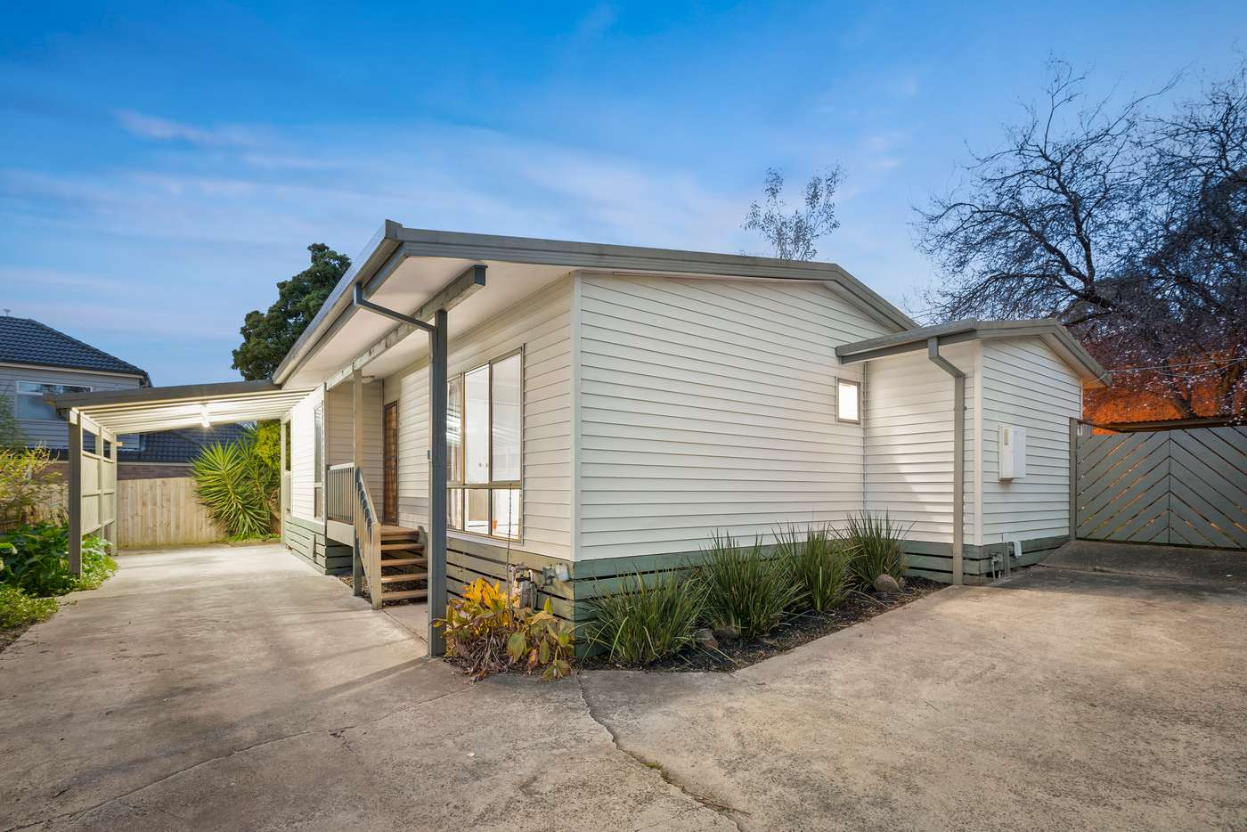Main view of Homely unit listing, 2/25 Thurleigh Avenue, Croydon South VIC 3136