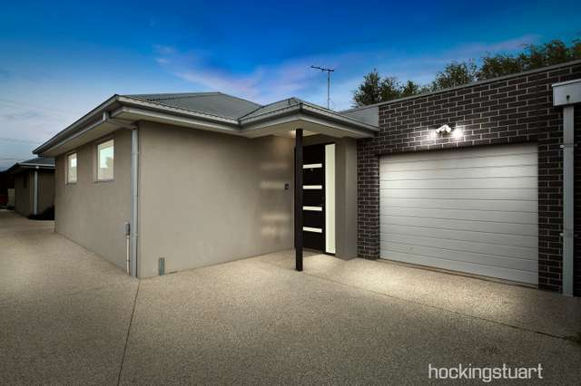 2/6 Stenhouse Avenue, Brooklyn VIC 3012
