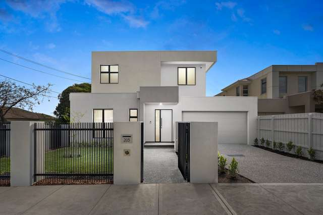 203 Bambra Road, Caulfield South VIC 3162