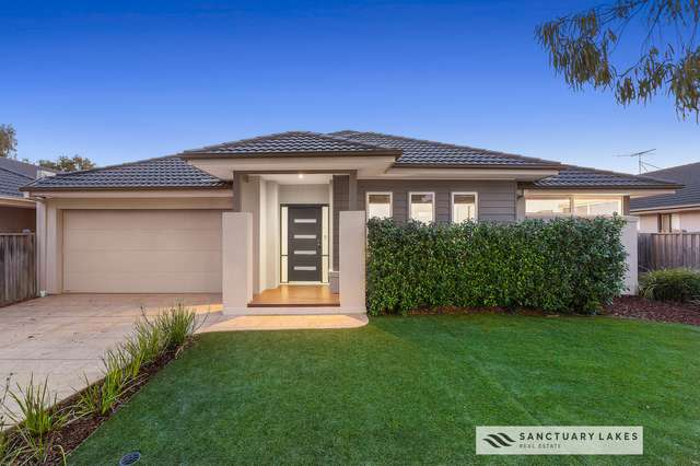 42 Monterey Bay Drive, Sanctuary Lakes VIC 3030
