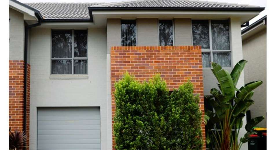 43 Rolla Road, Glenfield NSW 2167