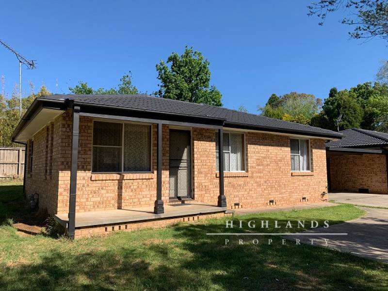 Main view of Homely unit listing, 2/12 Stephens Place, Bowral, NSW 2576