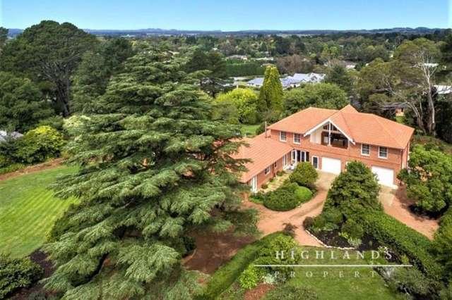 13` Sunninghill Avenue, Burradoo NSW 2576
