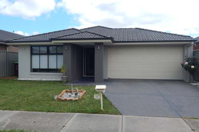 11 Challenger Circuit, Cranbourne East VIC 3977