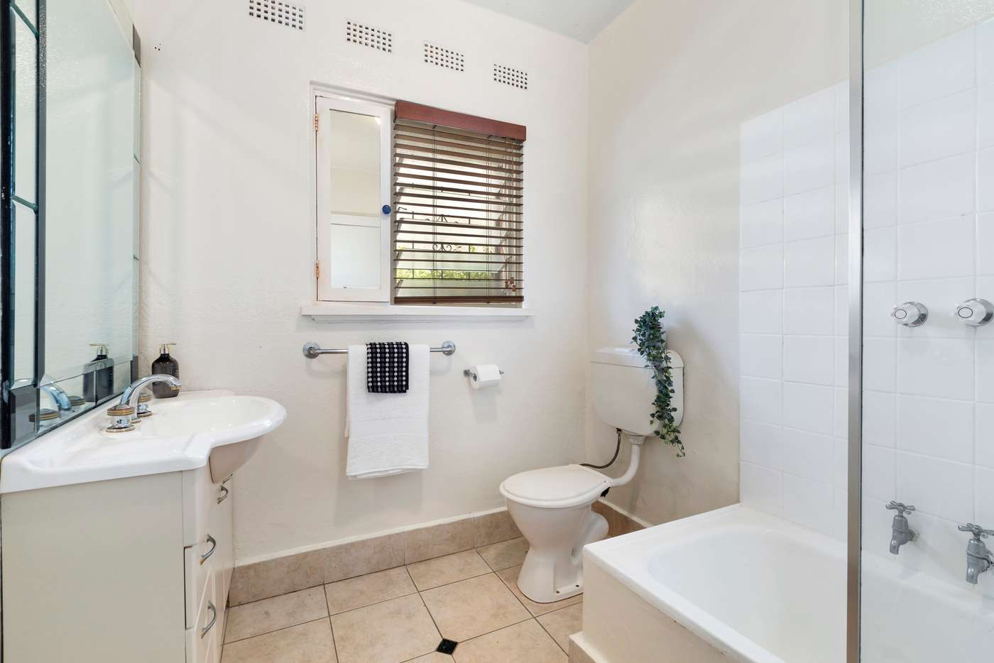 Fifth view of Homely apartment listing, 3/8 Cromwell Road, South Yarra VIC 3141