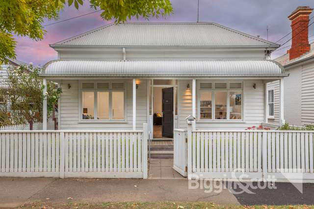 528 Doveton Street North, Soldiers Hill VIC 3350