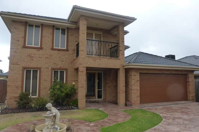 9 Sunseeker Chase, Sanctuary Lakes VIC 3030