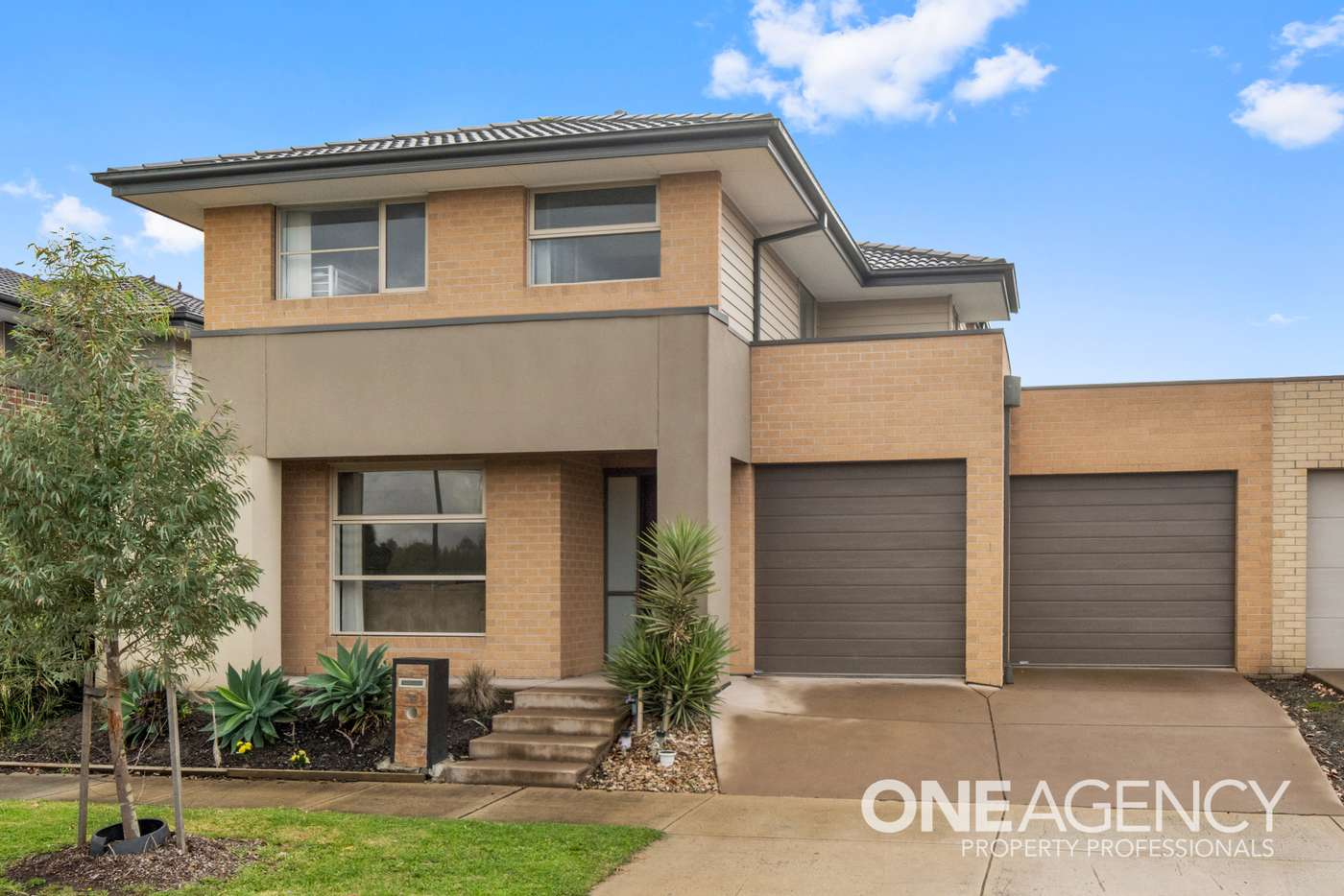 Main view of Homely house listing, 34 Cockatoo Road, Pakenham VIC 3810