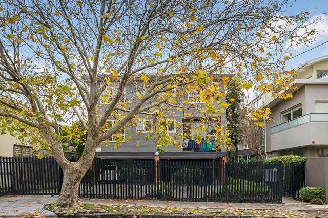 9/26 Pine Avenue, Elwood VIC 3184