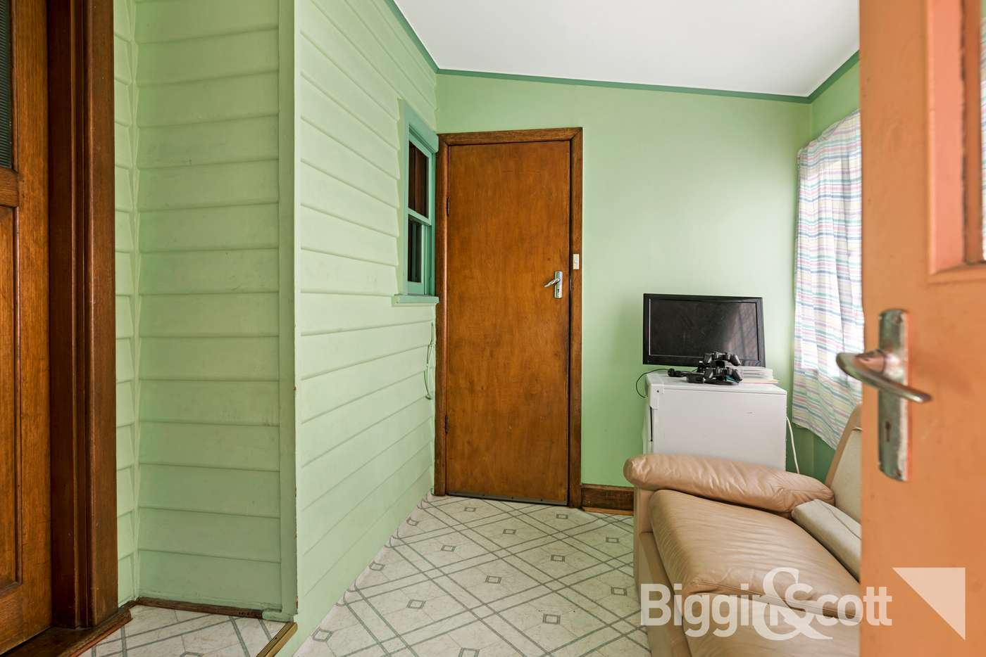 Fifth view of Homely house listing, 10 Comley Street, Sunshine North VIC 3020