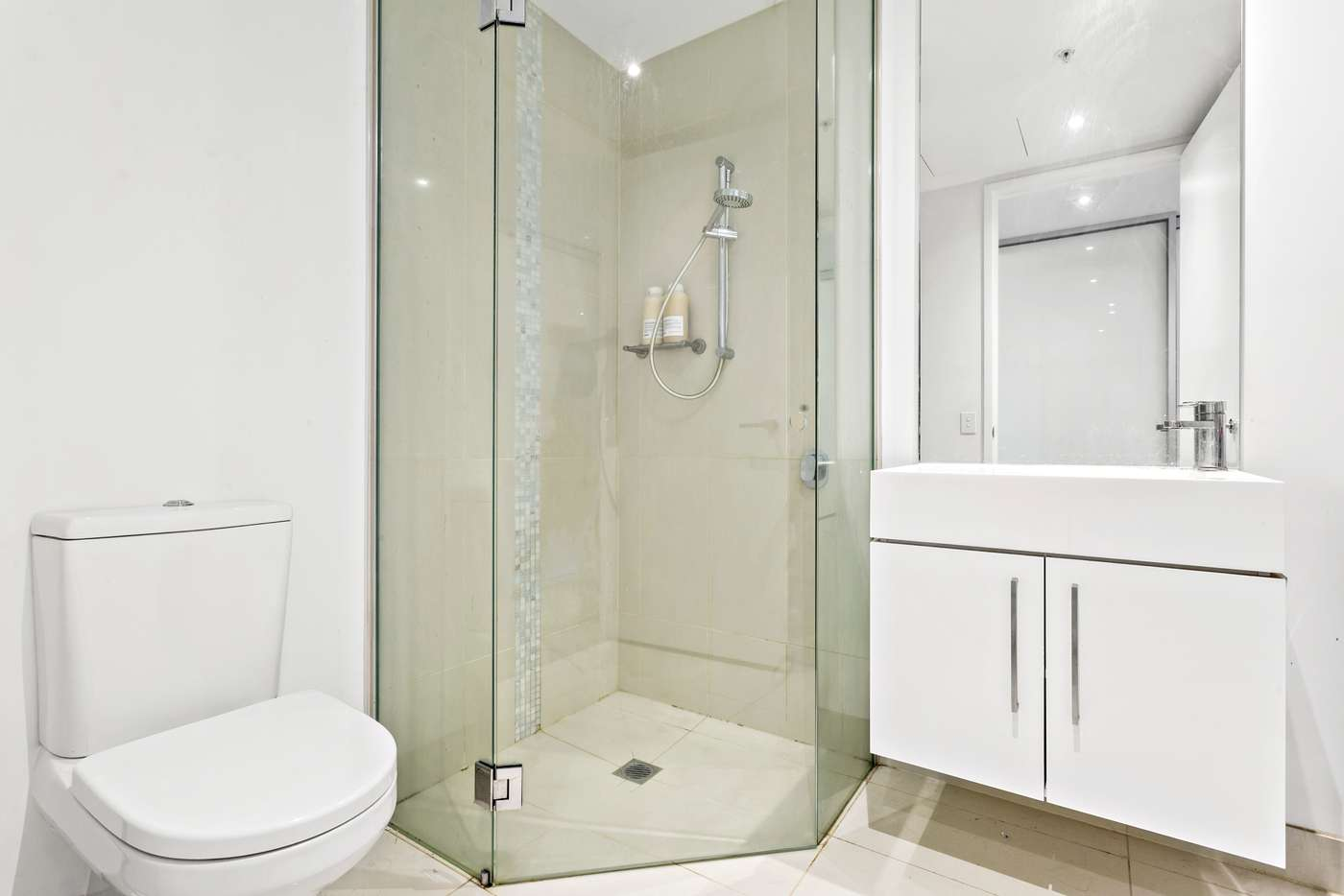Fifth view of Homely apartment listing, 2501/9 Power Street, Southbank VIC 3006