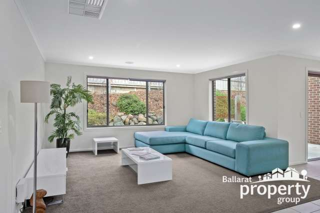 15 Henry Avenue, Mount Clear VIC 3350