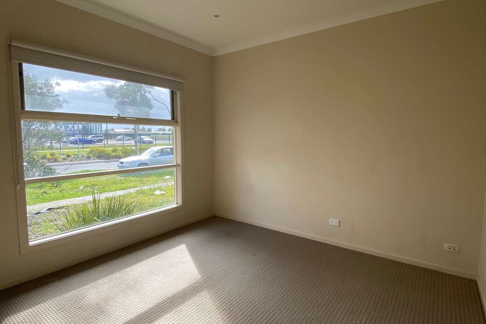 Second view of Homely house listing, 118 Crossway Avenue, Tarneit VIC 3029