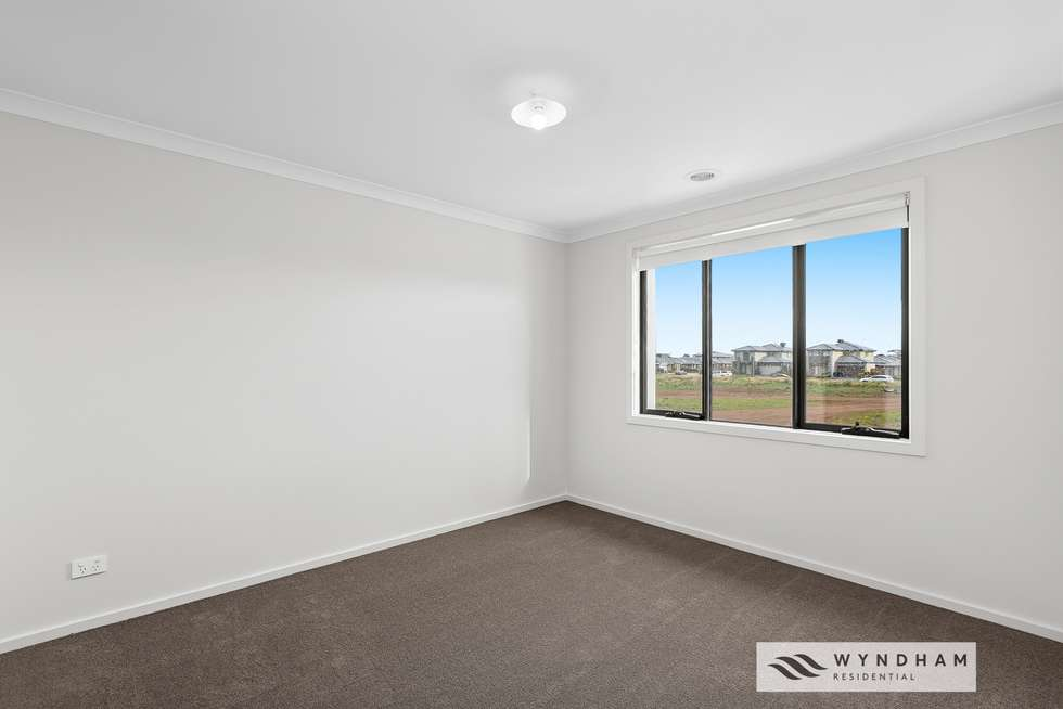 Second view of Homely house listing, 1 Cabin Walk, Tarneit VIC 3029