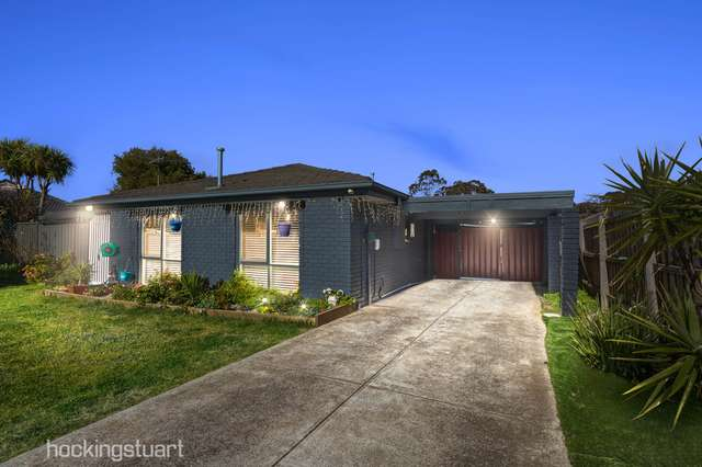 10 Fernberg Place, Melton West VIC 3337