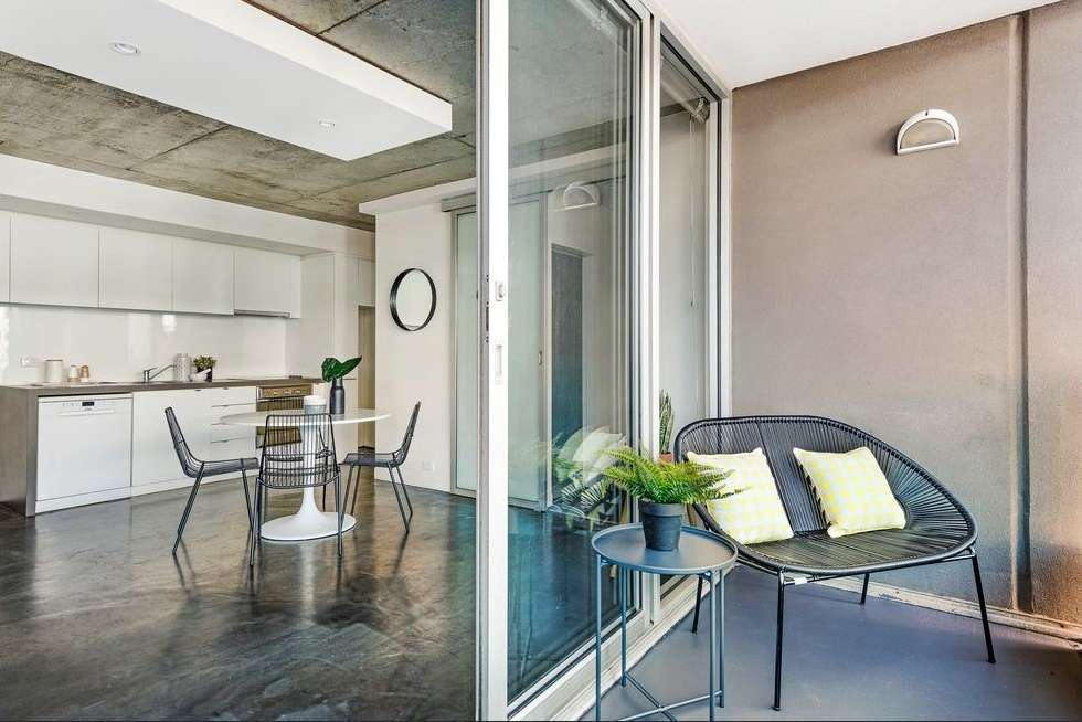 Third view of Homely apartment listing, 10/33 Johnston Street, Port Melbourne VIC 3207