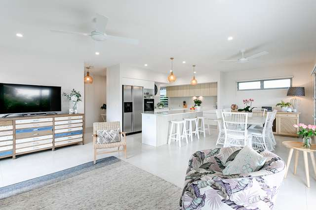 12 Hollyhock Crescent, Noosa Heads QLD 4567
