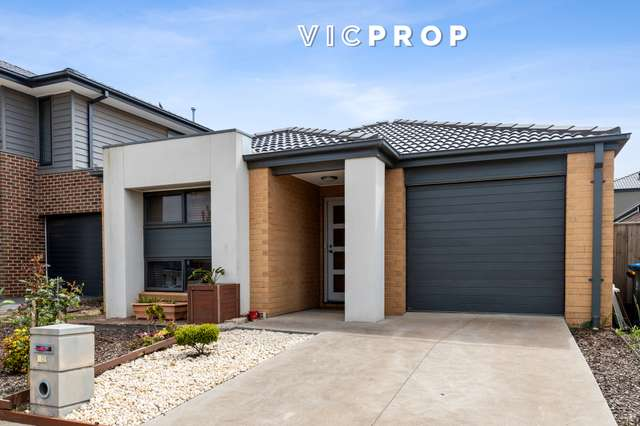 12 Living Crescent, Point Cook VIC 3030