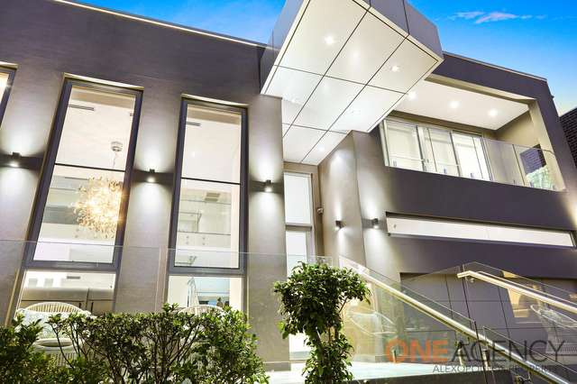 19 Maxwell Place, Abbotsbury NSW 2176