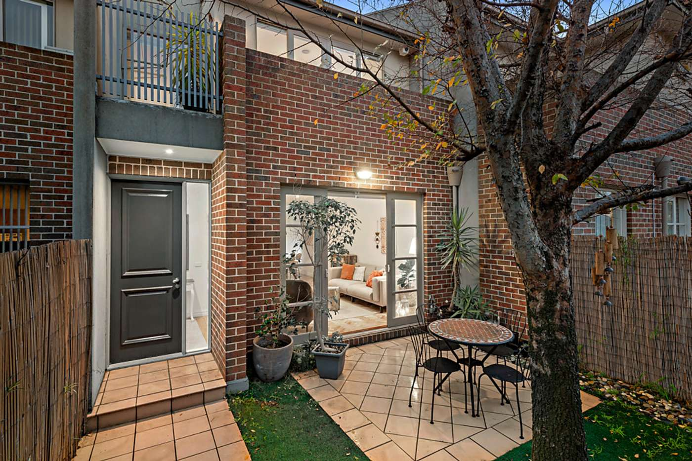 Main view of Homely townhouse listing, 2/28 Clairmont Avenue, Bentleigh VIC 3204
