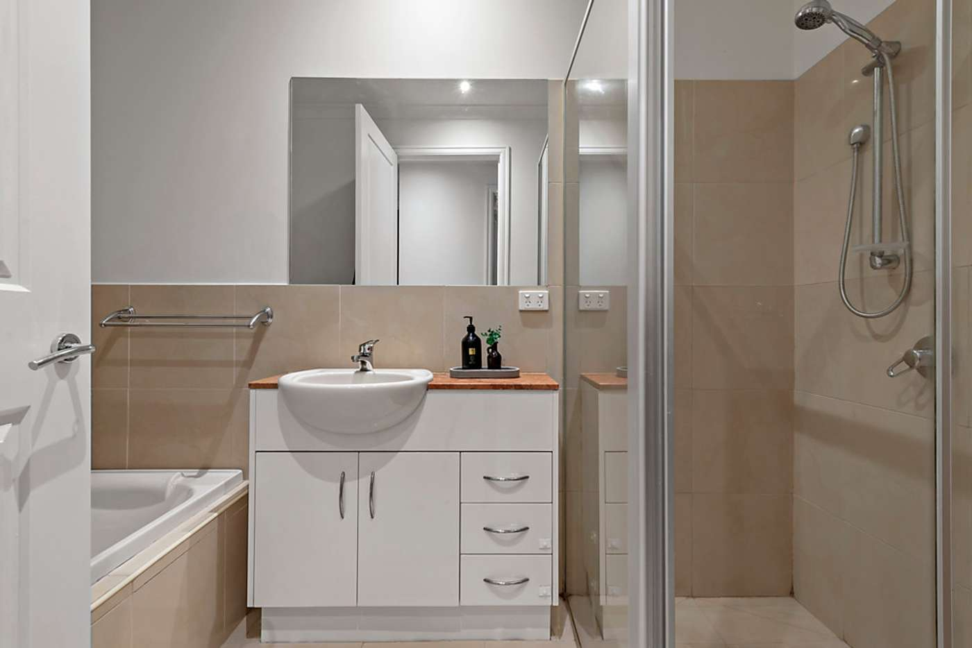 Fifth view of Homely townhouse listing, 2/28 Clairmont Avenue, Bentleigh VIC 3204