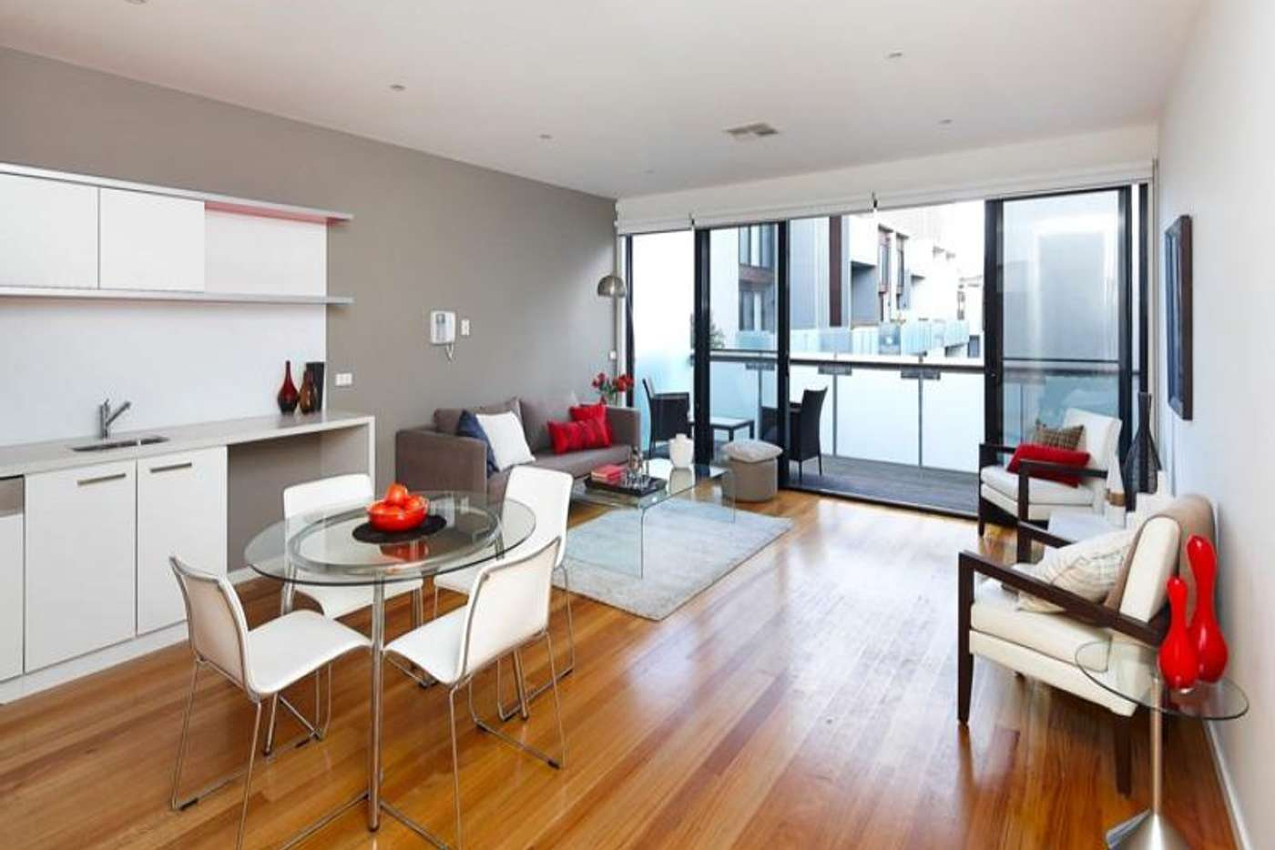 Main view of Homely townhouse listing, 2/17 Kent Street, Richmond VIC 3121