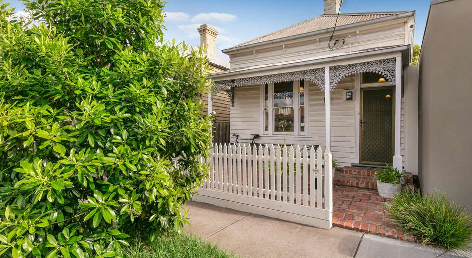 2 St Georges Road, Armadale VIC 3143
