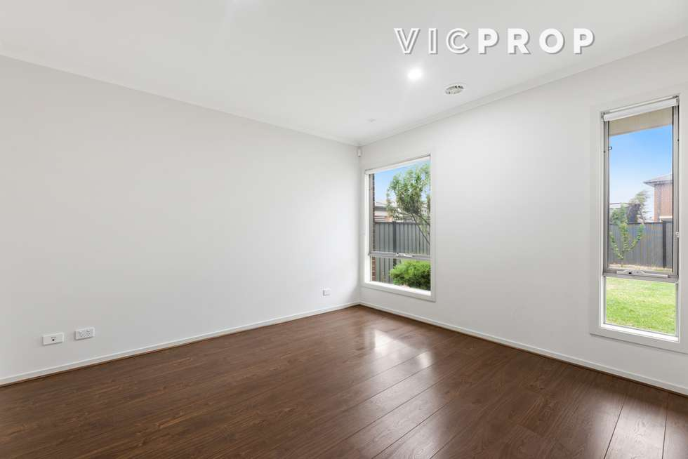 Fifth view of Homely house listing, 39 Michael Place, Point Cook VIC 3030