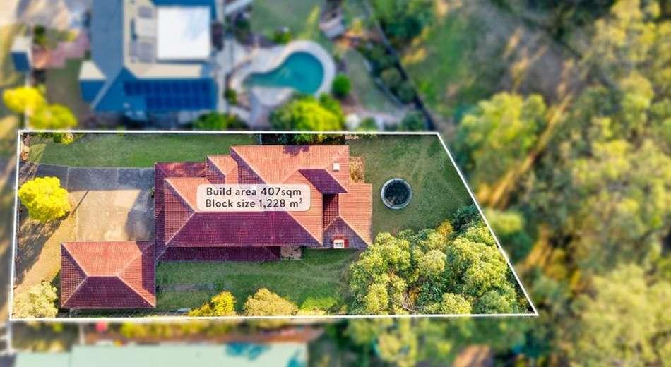 16 Peebles Place, Chapel Hill QLD 4069