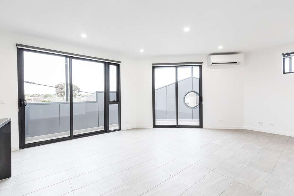 Second view of Homely townhouse listing, 1a Bendigo Avenue, Bentleigh VIC 3204