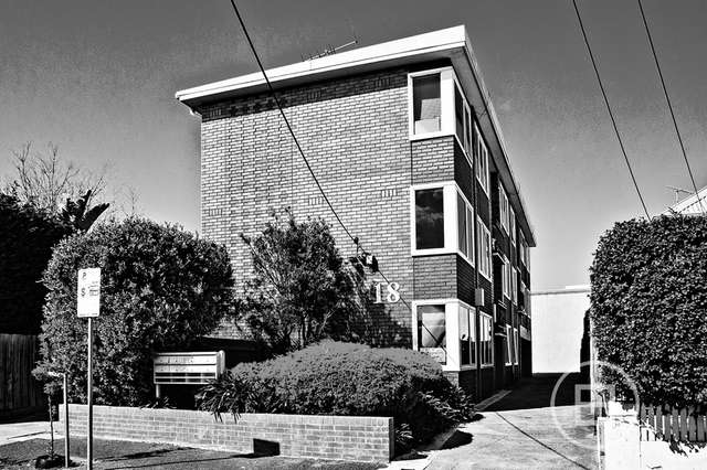 2/18 Moffat Street, South Yarra VIC 3141