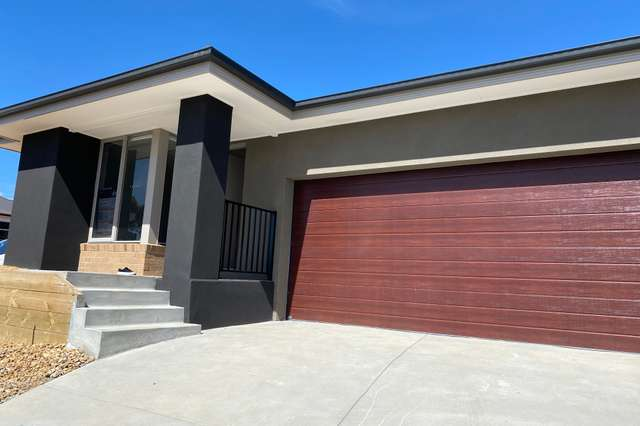 1 Fairy Wren  Circuit, Mount Clear VIC 3350