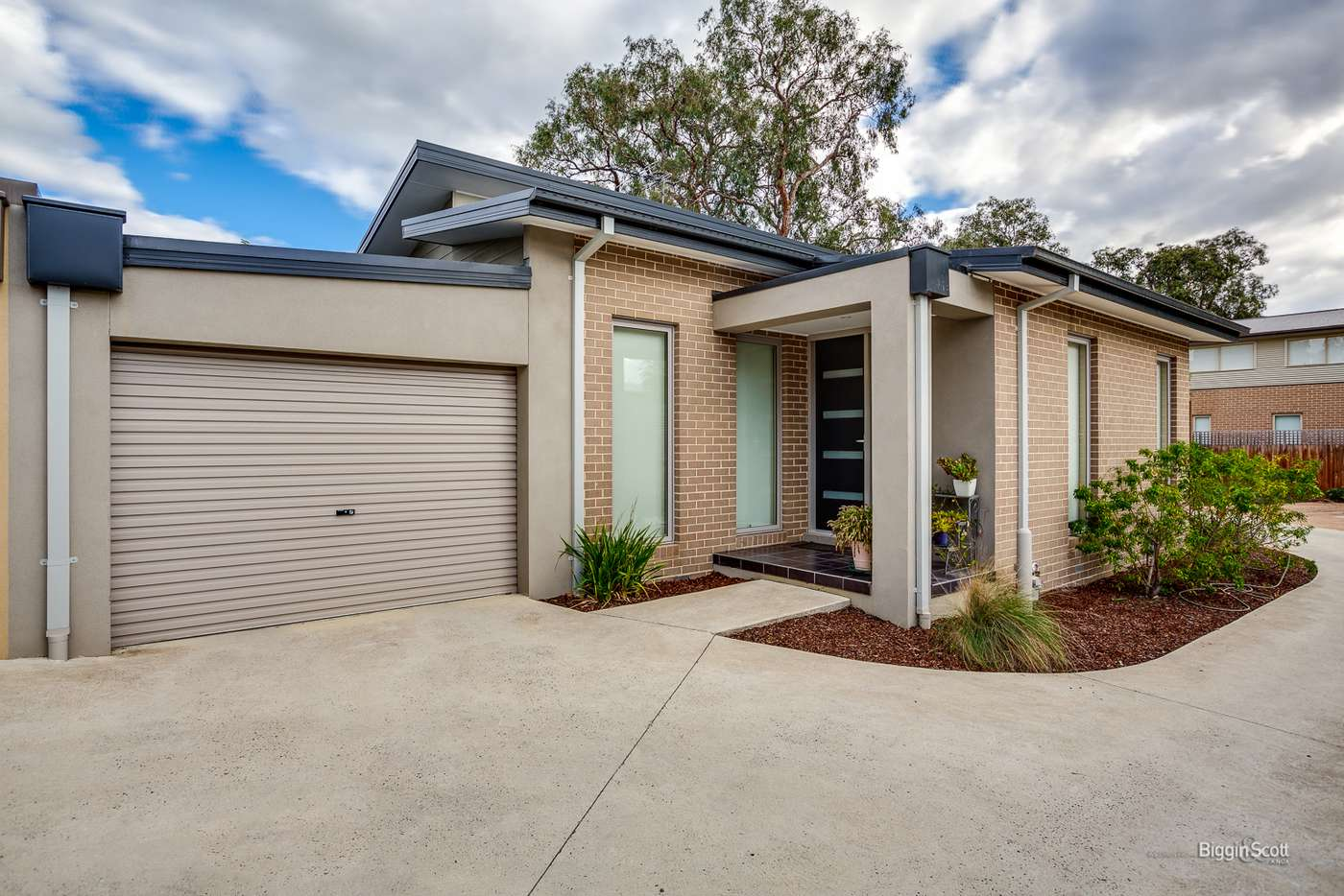 Main view of Homely unit listing, 2/54 Liverpool Road, Kilsyth VIC 3137