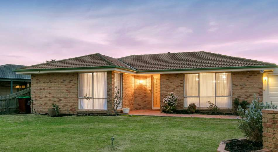 10 Fisher Close, Berwick VIC 3806