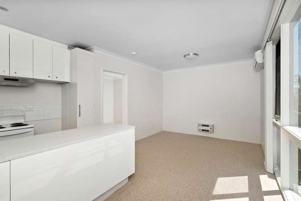Third view of Homely apartment listing, 4/24 Foote Street, Albert Park VIC 3206