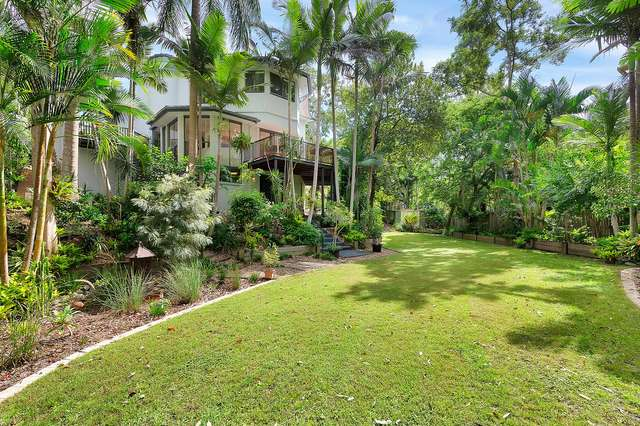 28 Sherborne Place, Chapel Hill QLD 4069