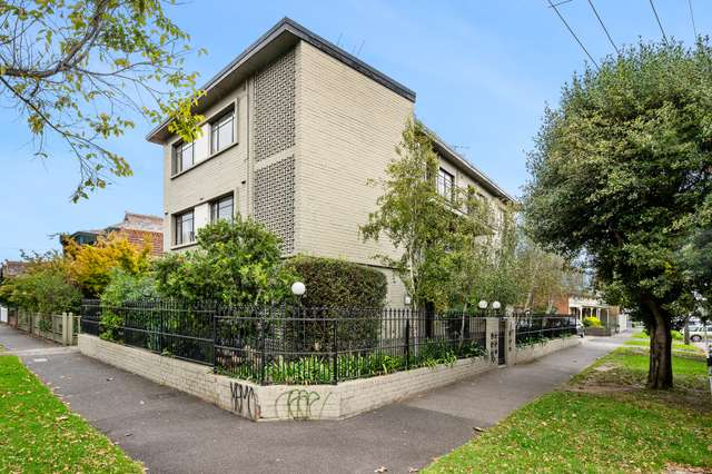 2/143 Canterbury Road, Middle Park VIC 3206