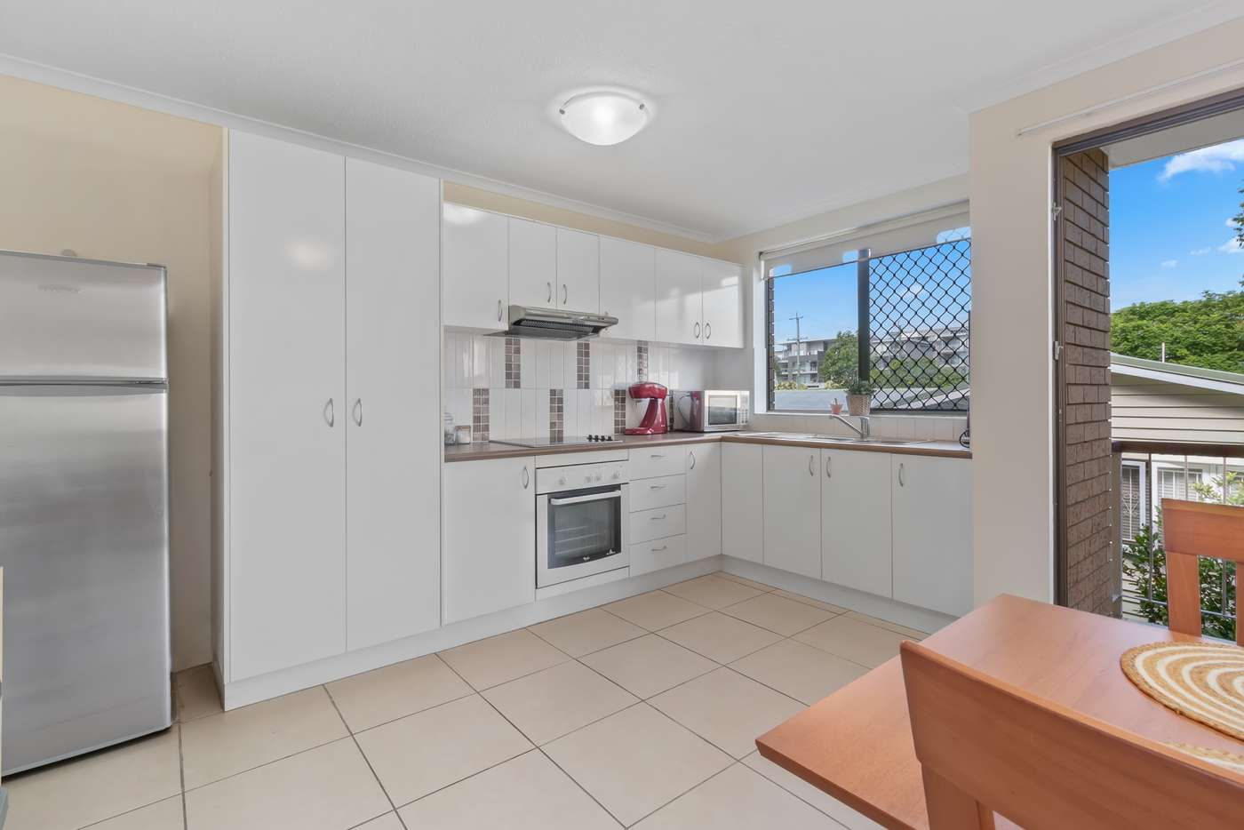 Main view of Homely unit listing, 2/10 Ward Street, Indooroopilly QLD 4068