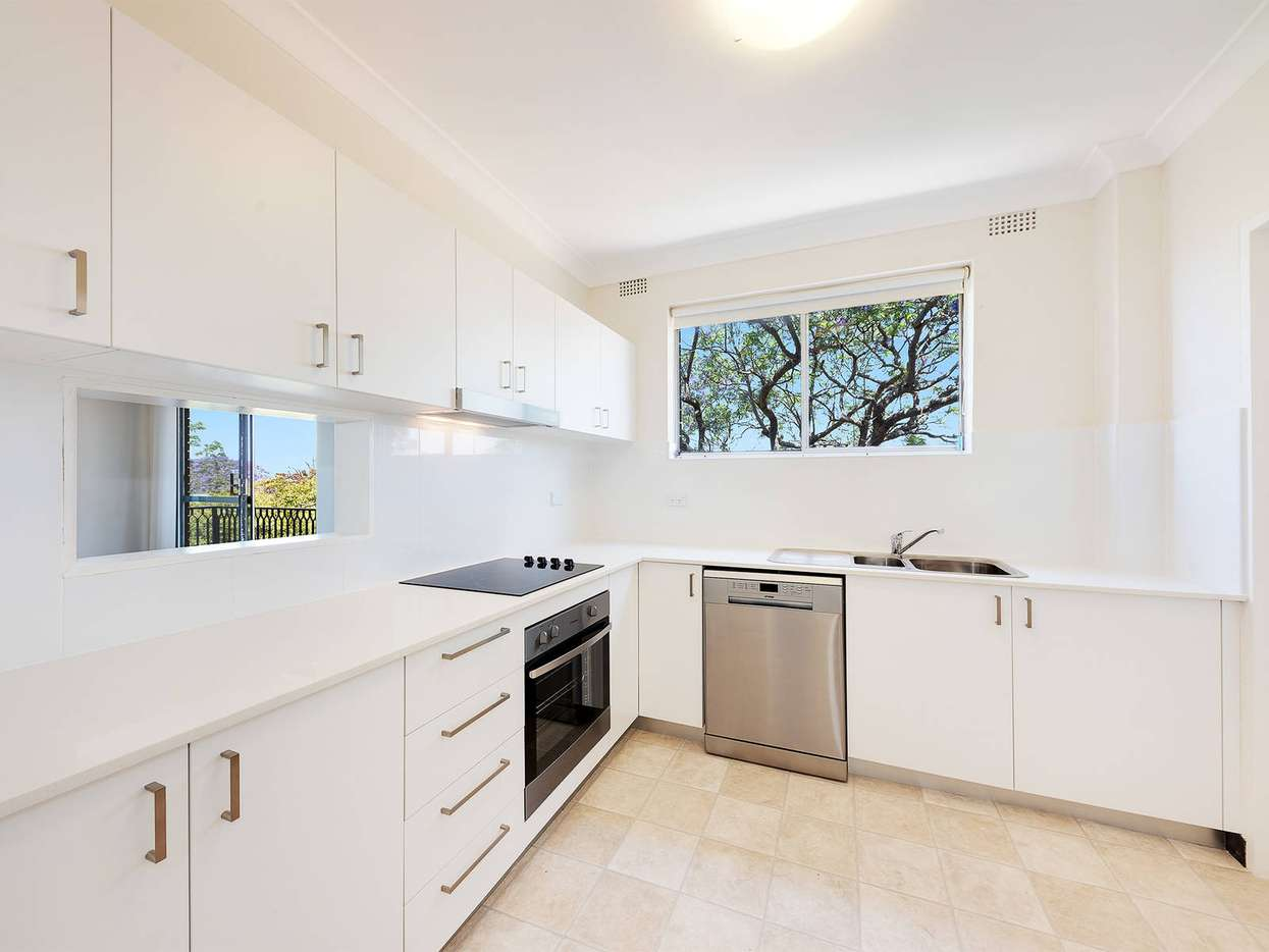 Main view of Homely unit listing, 3/126 Ben Boyd Road, Neutral Bay, NSW 2089