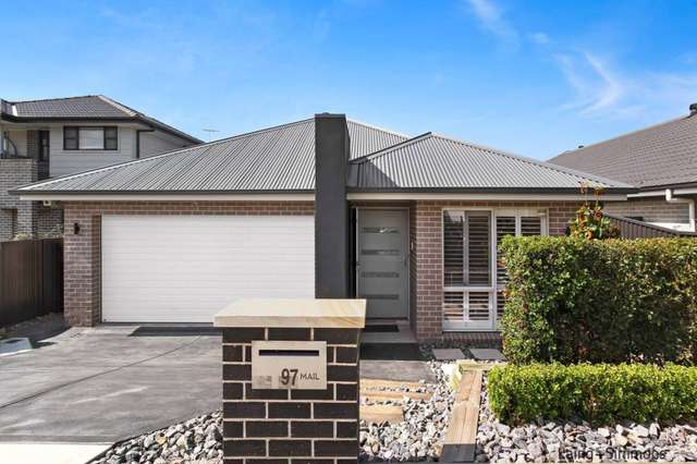 97 Fifteenth Avenue, Middleton Grange NSW 2171