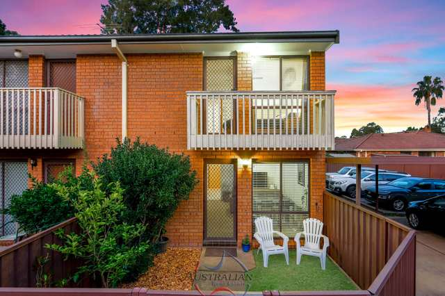 11/4 Highfield Road, Quakers Hill NSW 2763