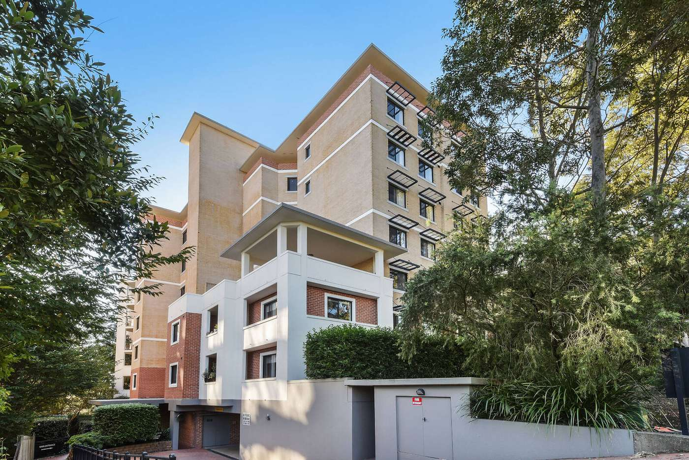 Main view of Homely apartment listing, 20/6-8 College Crescent, Hornsby NSW 2077
