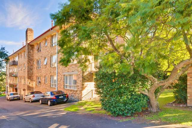 2/221 Peats Ferry Road, Hornsby NSW 2077