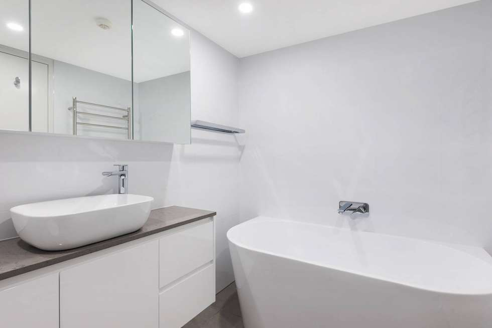 Third view of Homely apartment listing, 401/37-39 McLaren Street, North Sydney NSW 2060
