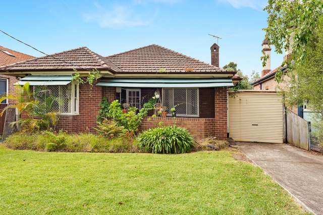33 Oakville Rd, Willoughby NSW 2068