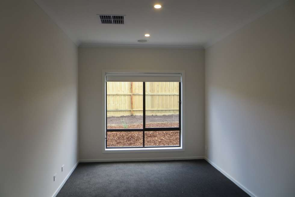 Fifth view of Homely house listing, 4 Cottongrass Avenue, Clyde North VIC 3978