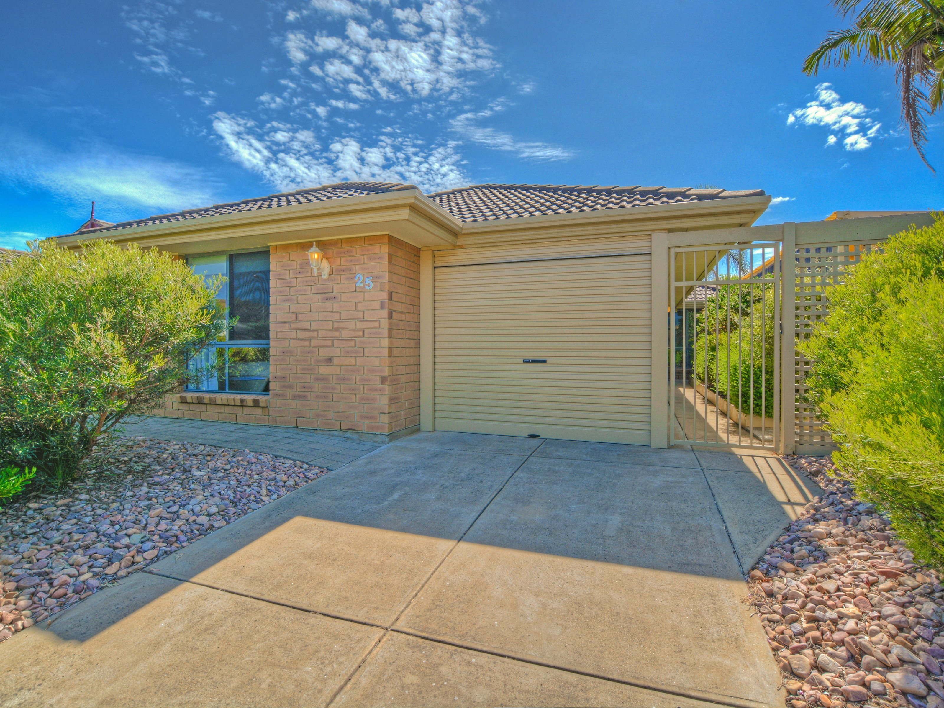 25 Shoalwater Close