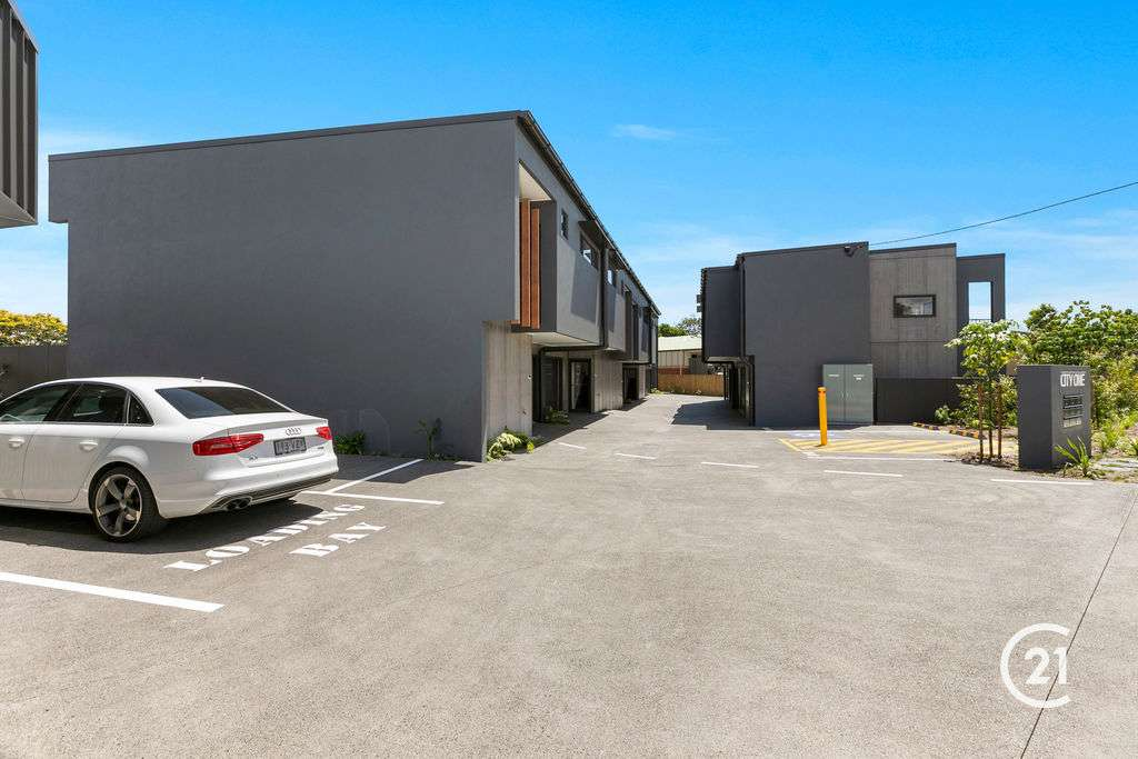 Main view of Homely townhouse listing, 2/1-3 Tolman Court, Maroochydore, QLD 4558
